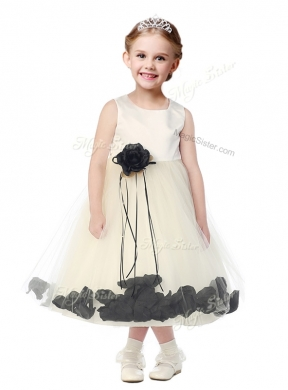 Luxurious Scoop Hand Made Flowers and Appliques Flower Girl Dress in Champagne
