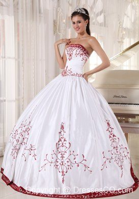 White And Wine Red Ball Gown Strapless Long Satin Embroidery Quinceanera Dress
